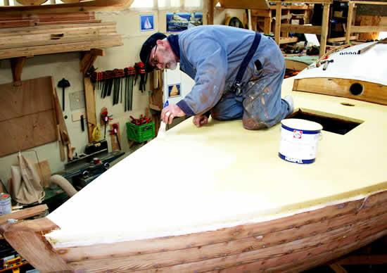 Tony Grove : Furniture : Choosing Studio Furniture
